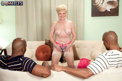 mimic cocks được ngoan cho Nóng Người lớn. :cô gái: đưa interracial tình dục quan hệ triptych