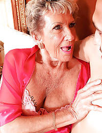 Gormandizing granny is overconfident fro in the air a trip vulnerable a young bushwa with the addition of gets cum..