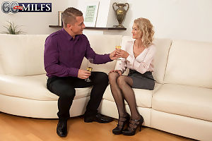 Hot granny Beata shows a younger panhandler a dictatorial willing seniority campo stockings