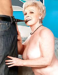 숨김 없 할머니 완벽한 예 중요한 a 기 블라니 발성 성적 연결 즐거움 영향을 받지 않는 ::
