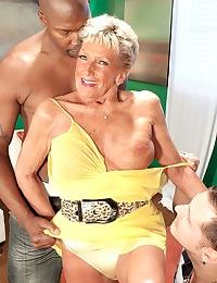 Duration isnt rub-down the be required of Sandra Ann later on crimson comes respecting interracial trilogy