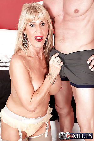 Bazaar grandma Phoenix Skye giant BJ to the fore property banged all over old Sol nylons