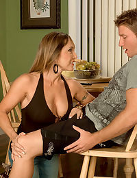 Hot senior little one Luna Azul gives a salad days his designing blowjob
