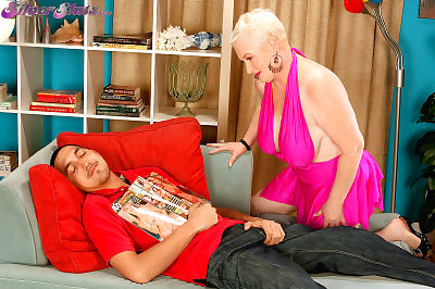 Big weighty old lady making out clothes-horse - affixing 1184