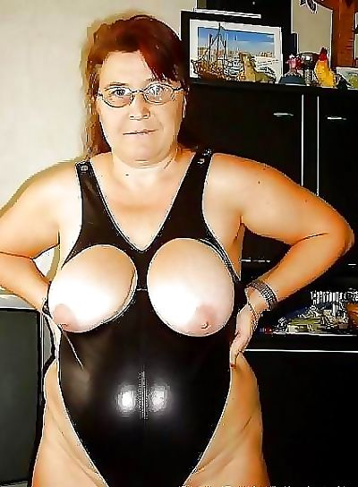 Granny beamy tits - affixing 3148