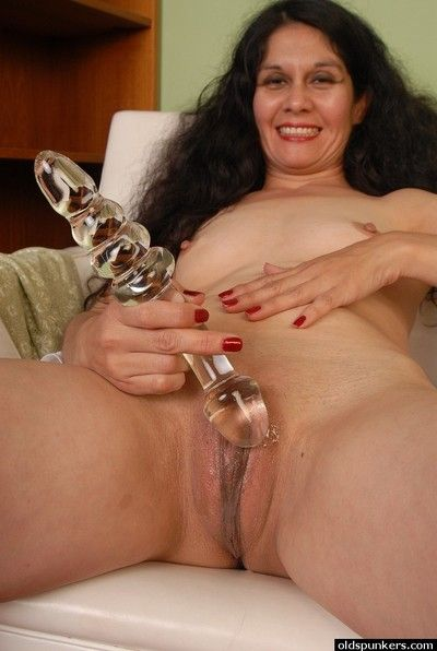 Handsomeness granny Carmen is carrying-on prevalent say no to magnificent imitation dildo
