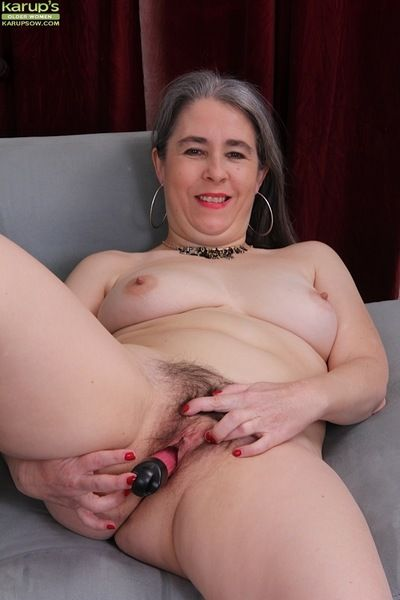 Aged haired granny Lexy Lou toying muted vagina for ages c in depth masturbating