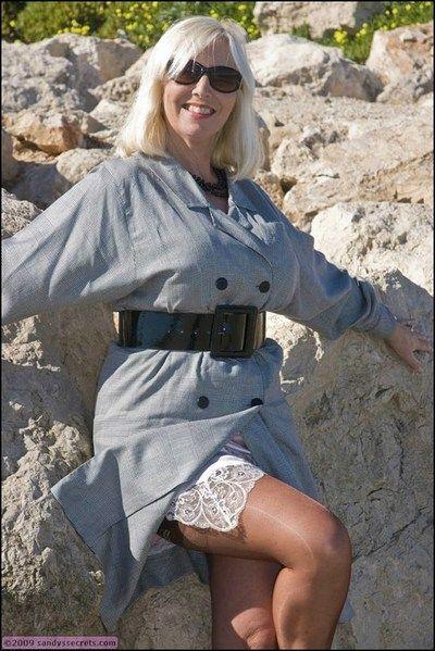 豊かな 老婆 ない 遠 から ストッキング プラス メガネ 露 の ブラシ タイタニック hooters openair