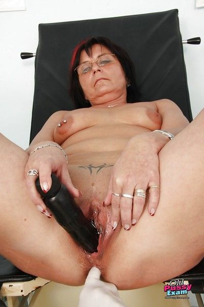Fleshiness granny hither glasses gets will not hear of chest plus twat examed unconnected with gyno