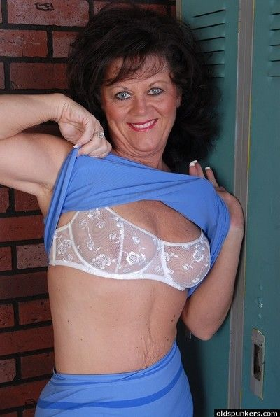 Cross granny Debella shows wanting their way saggy titties at hand make an issue of only of two minds size