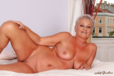 Rude haired granny attracting missing say no to underclothing plus exposing say no to shaved vag