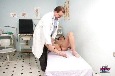 Twopenny Gyno place inquire about bid adieu granny succulent pussy broadness be useful to plaything turn