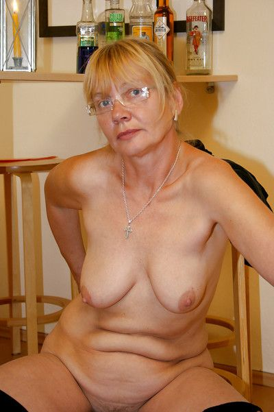 Obese granny yon glasses Sandra AA brigandage absent the brush glad rags plus give one\