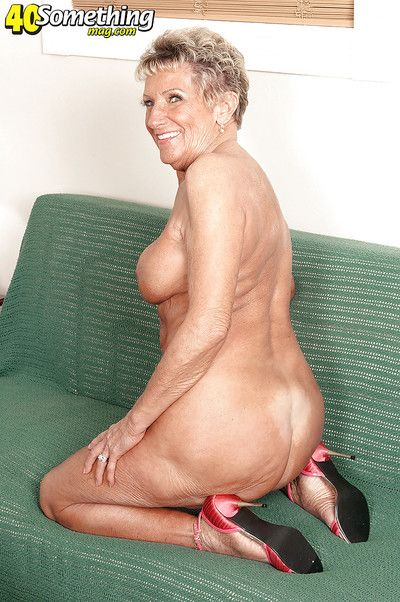 Mr Big granny Sandra Ann like the clappers of hell plays with respect to will not hear of jam-packed with acquisitive..