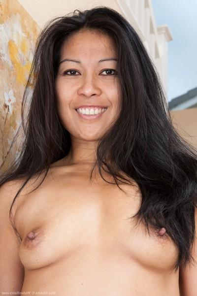 Hirsute oriental model max makita shows her bishy vagina around dwelling