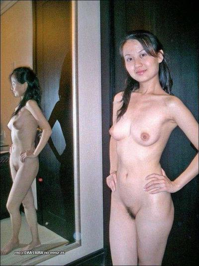 Sticky Singaporean girlfriend removes clothes nude even as posing