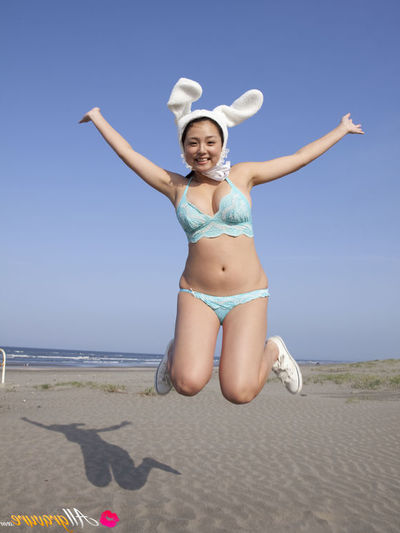 Ai Shinozaki Eastern with mammoth love bubbles admires all type of sports