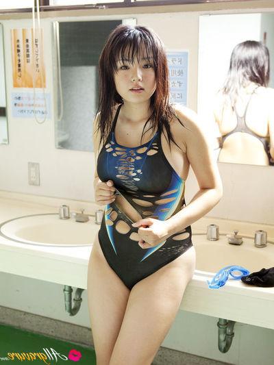 Ai Shinozaki Eastern with mammoth love bubbles admires all type of sports