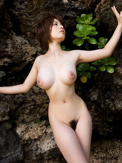 Saki okuda oriental regular apples posing outside