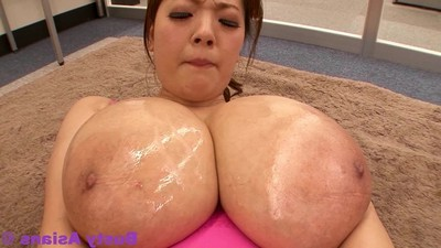 Jp pornstar hitomi tanaka fine oil massage in her gigantic pointer sisters