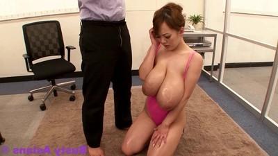 Jp pornstar hitomi tanaka fine oil massage in her gigantic pointer sisters