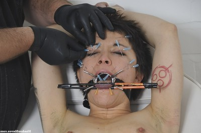 Polynese servant mei mara in facial needle torment and medical fet