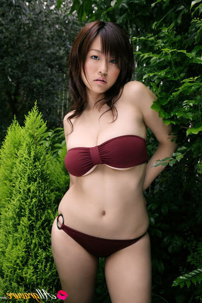 Hitomi Kitamura Chinese with vast pantoons is so erotic in