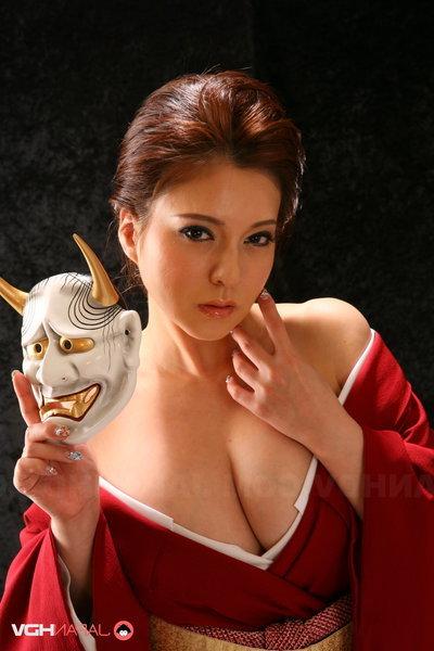 Yuki Tsukamoto receives her intense marangos spilling without her kimono.