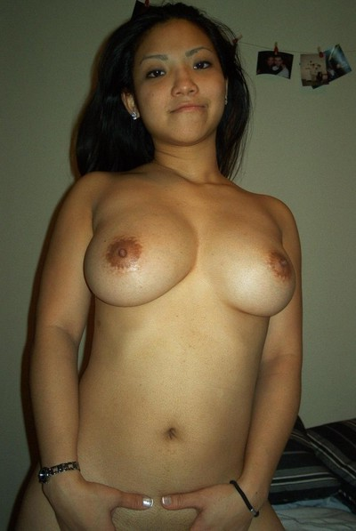 Appealing and perspired selfpics taken by an young oriental babe