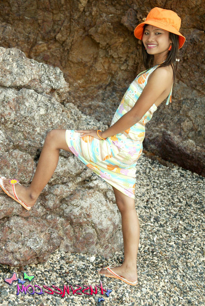 Tussinee flashing her virgin vagina on the beach