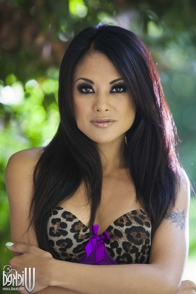 Kaylani lei takes on giant phallus in her purple underclothes