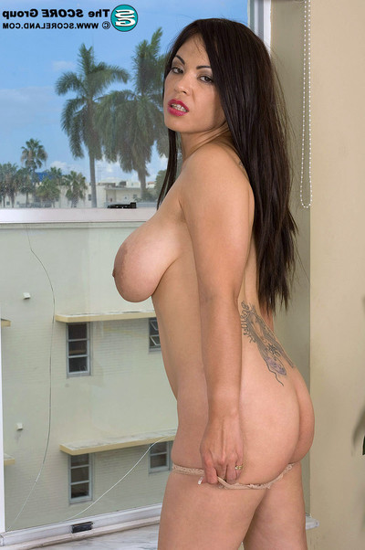 Kiko lee shows her gigantic nippled mams
