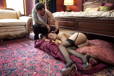 When dwelling submissive mia li breaks the rules, the taskmaster of the dwelling takes gabriell