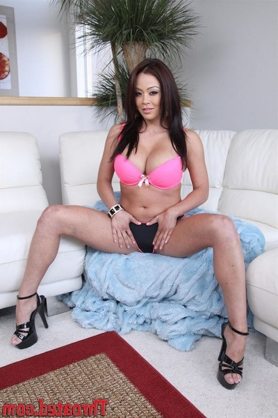 Mia lelani removes her pink brassiere and gives a useful pov fellatio