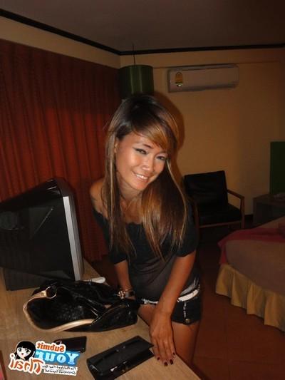 Random candid photos of stripped thai girlfriends