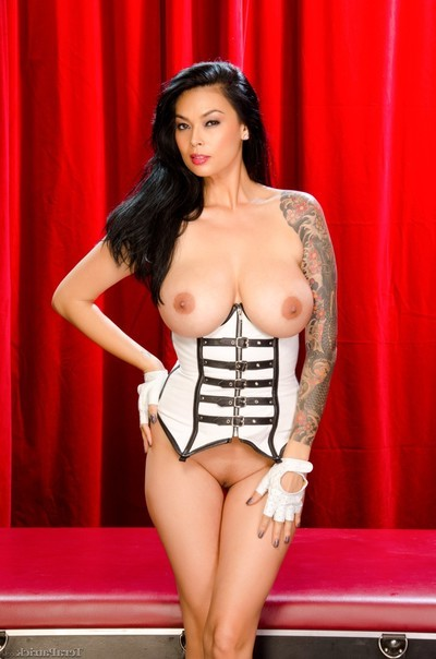 Curvy oriental angel tera patrick white leather corset
