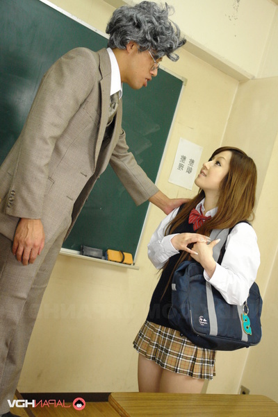 Gakusei In Uniform Takes 2 Kyoshi Prides In The Classroom.