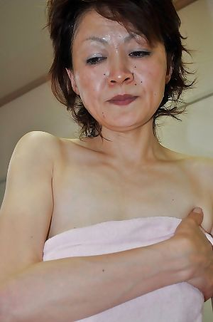 Ready oriental lassie Takako Kumagaya purchases booped right after bath