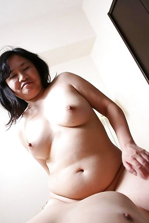 Fatty Japanese MILF Rumiko Shiga has some fur pie fingering and astonishingly pleasure - part 2