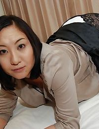 Sassy oriental MILF Risa Okamoto getting unclothed and expanding her legs