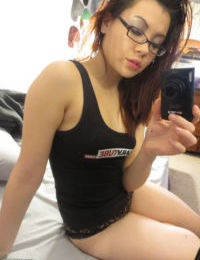 Nerdy Jap young Sydney Mai killing self shots of her naked front bumpers