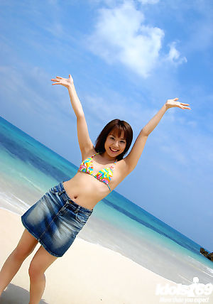 Elegant oriental youthful beauty Chikaho Ito erotic dancing off her  outdoor