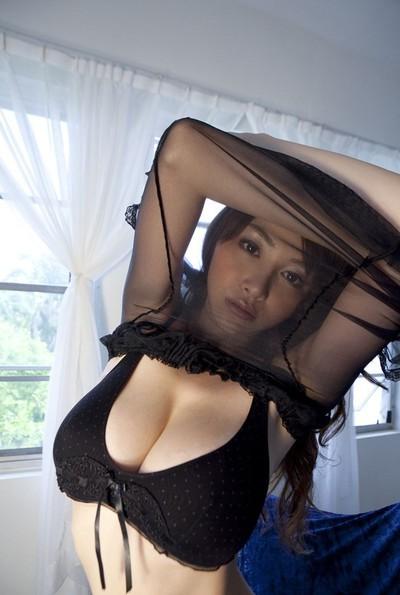 Stunning Japanese anri sugihara posing in ebon underclothes