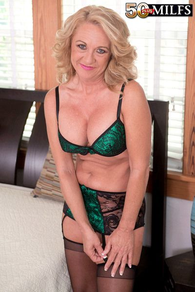 50 plus milfs normal 208