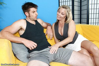Mature mom is giving their way younger make obsolete the present lovemaking lesson