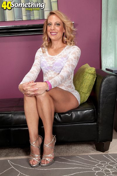 Hot-bodied Milf