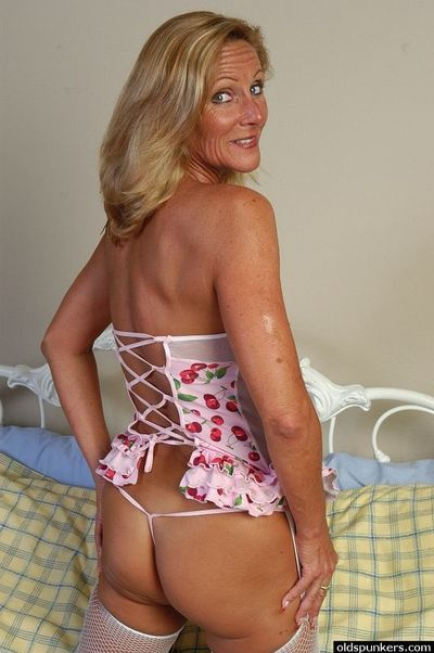 Mature Pamper Squirting Crossroads