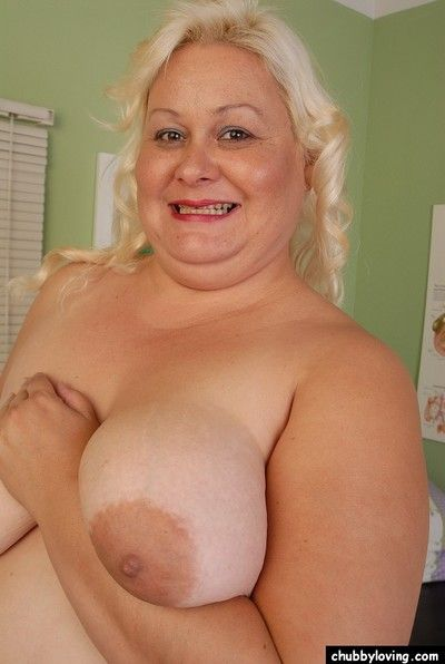 Fleshy of age tow-headed Lisa is smiling for ages c in depth licking her big nipples