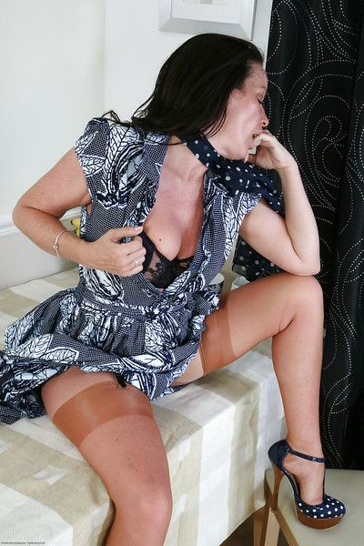 Stockings matured incise Marlyn is alluring for her hot widely applicable