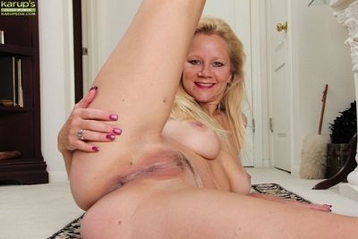 Blonde mature Ali Jones fraternity only in say no to sexy malicious high heels